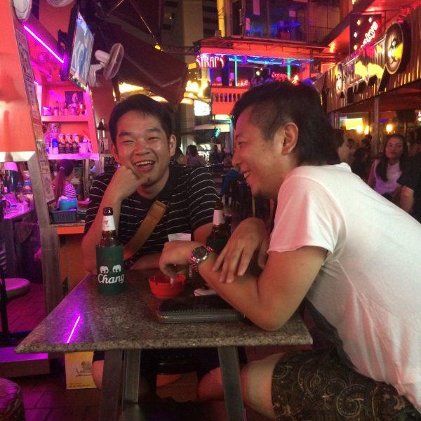 タイ仕入れツアーで行ったバー