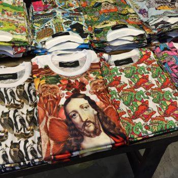 タイで売っているデザインTシャツ