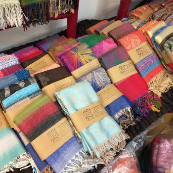 タイで仕入れられるスカーフ