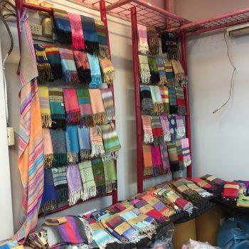 タイの仕入先のスカーフ屋